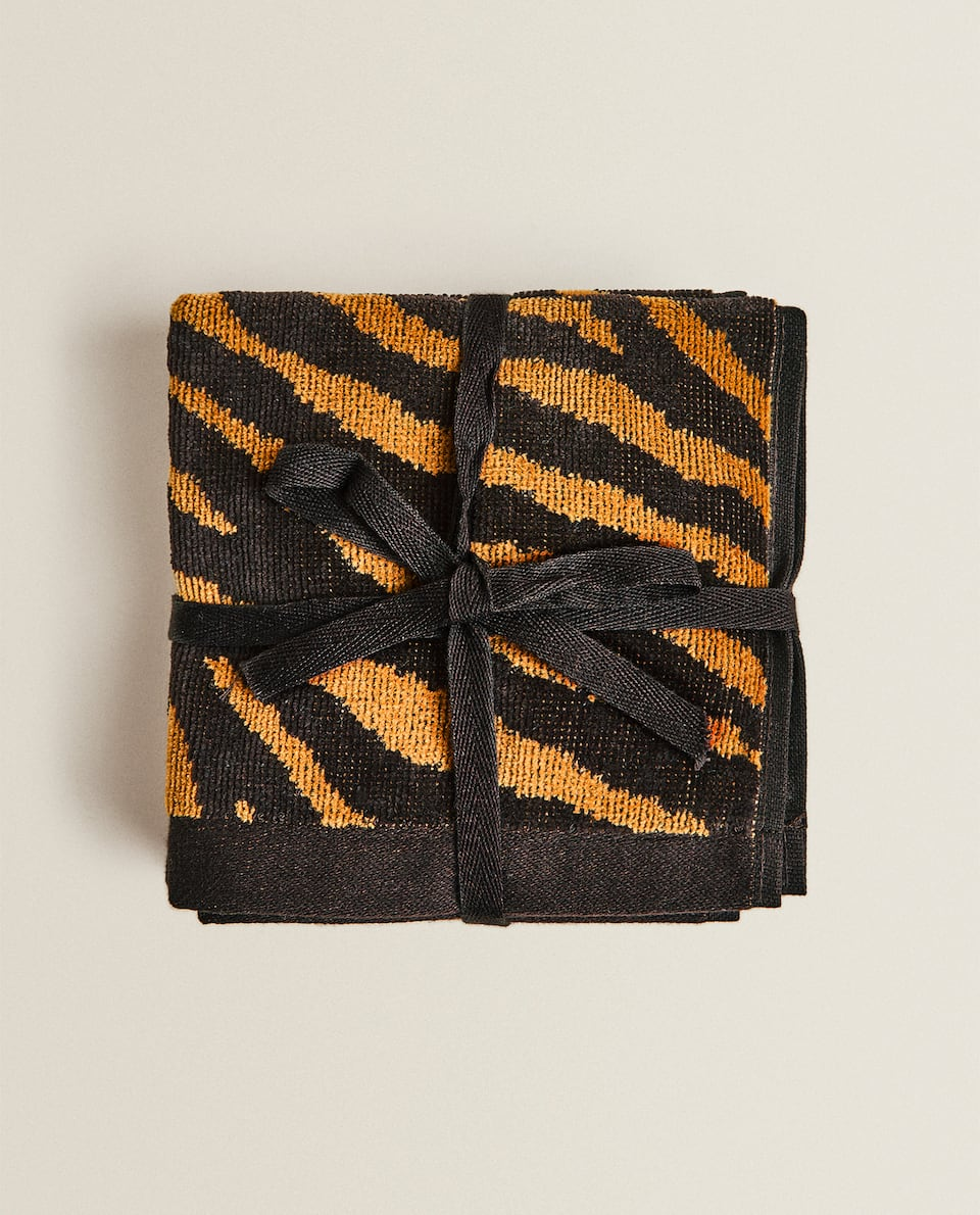 TIGER JACQUARD TOWEL (PACK OF 3)