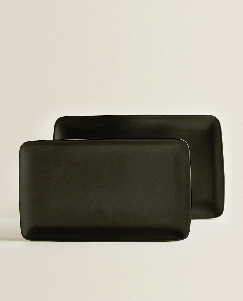 BLACK SERVING DISH