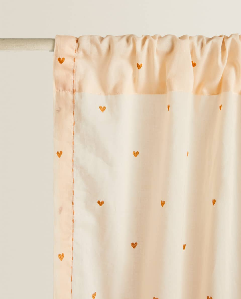 COTTON CURTAINS WITH HEARTS