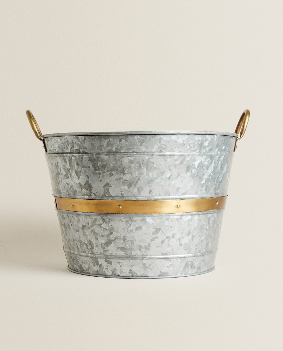 LARGE GALVANISED BUCKET