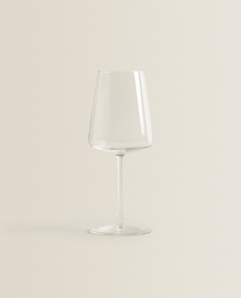 CONICAL CRYSTALLINE WINE GLASS