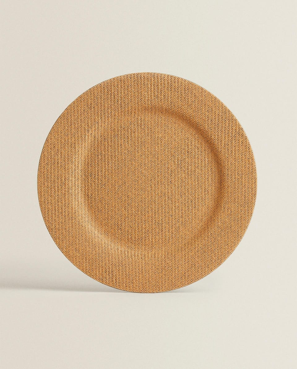 WOVEN RATTAN-EFFECT SERVICE PLATE