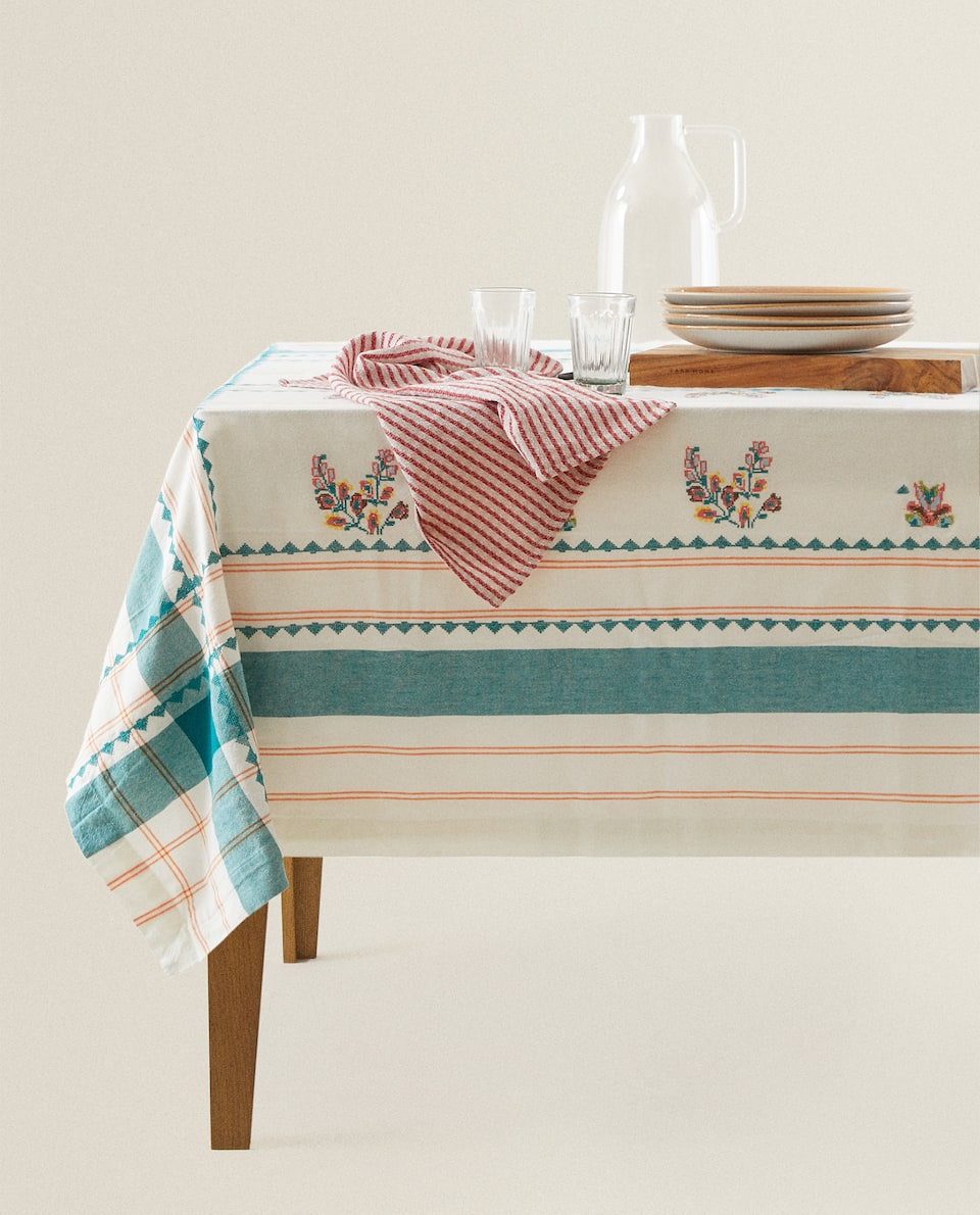 CHECK TABLECLOTH WITH FLORAL EMBROIDERY