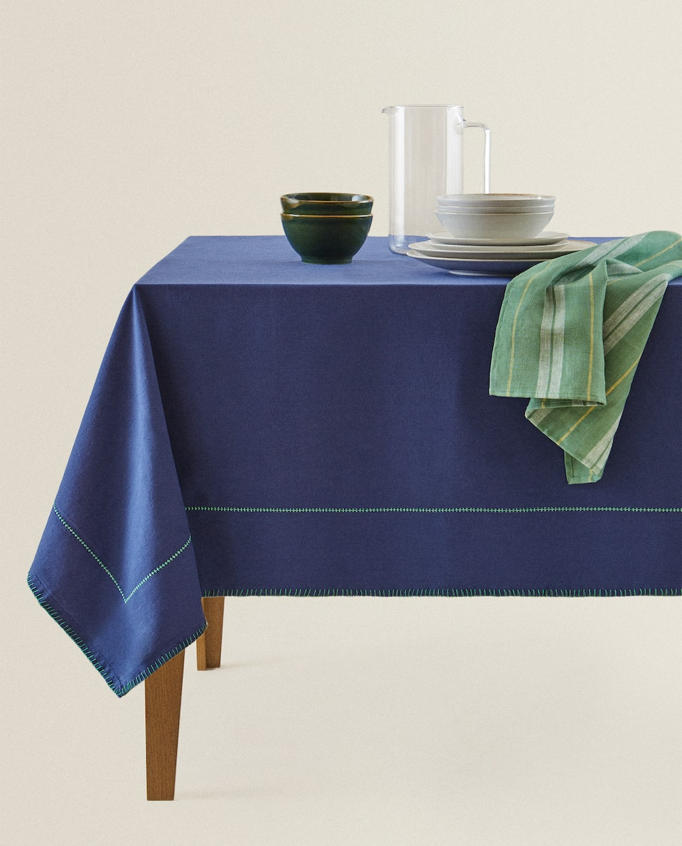 COTTON TABLECLOTH WITH TOPSTITCHING