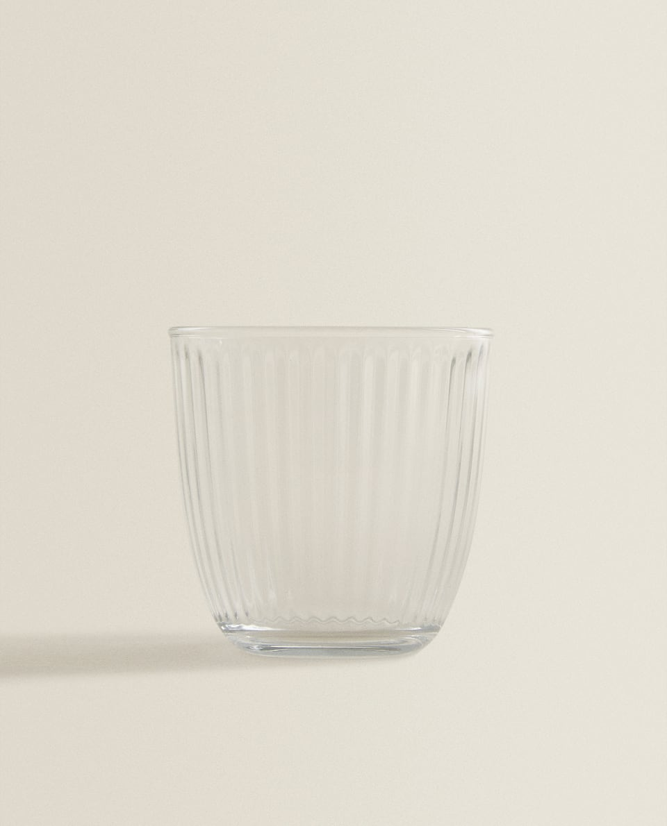 TYKBUNDET GLAS MED STRIBET DESIGN