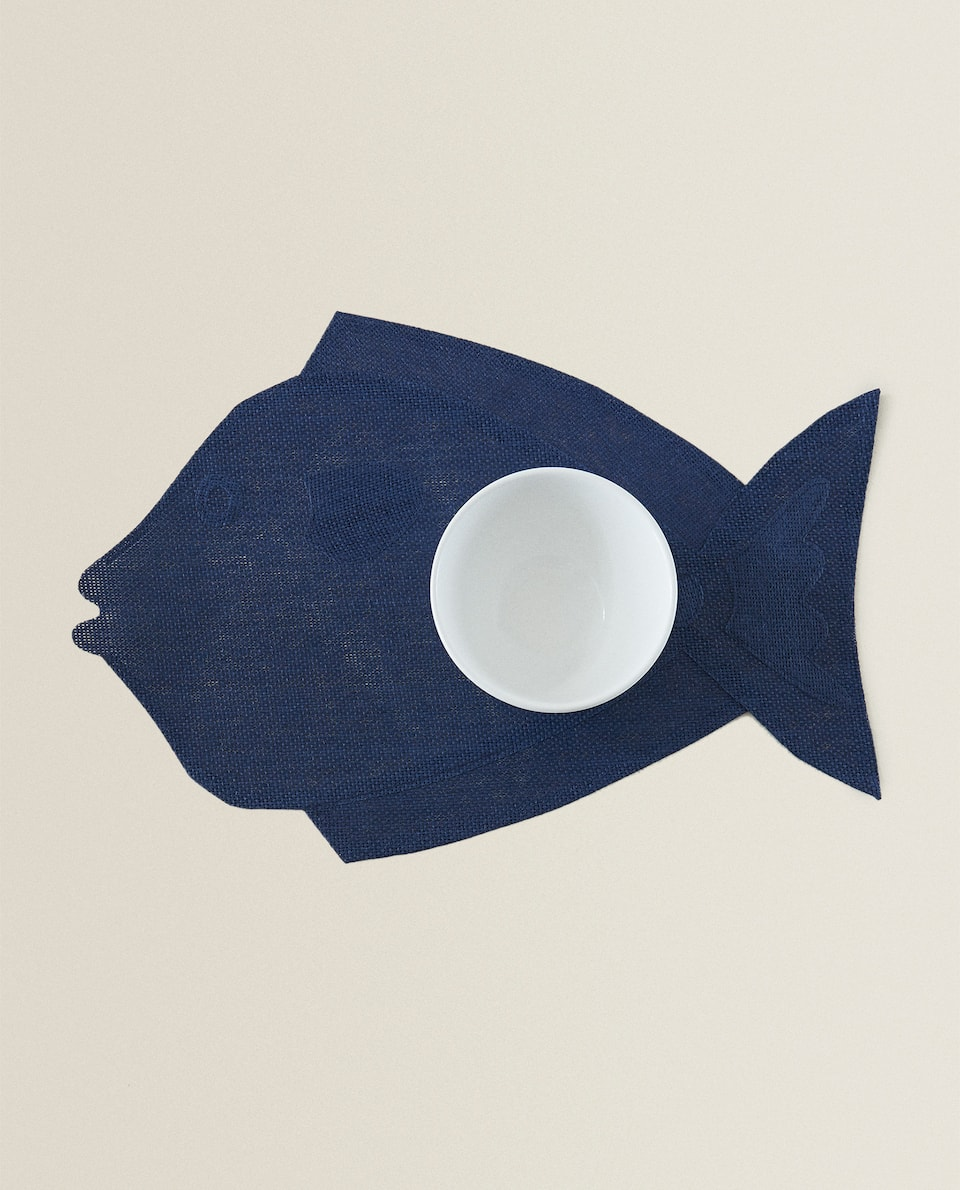 FISH-SHAPED PLACEMAT