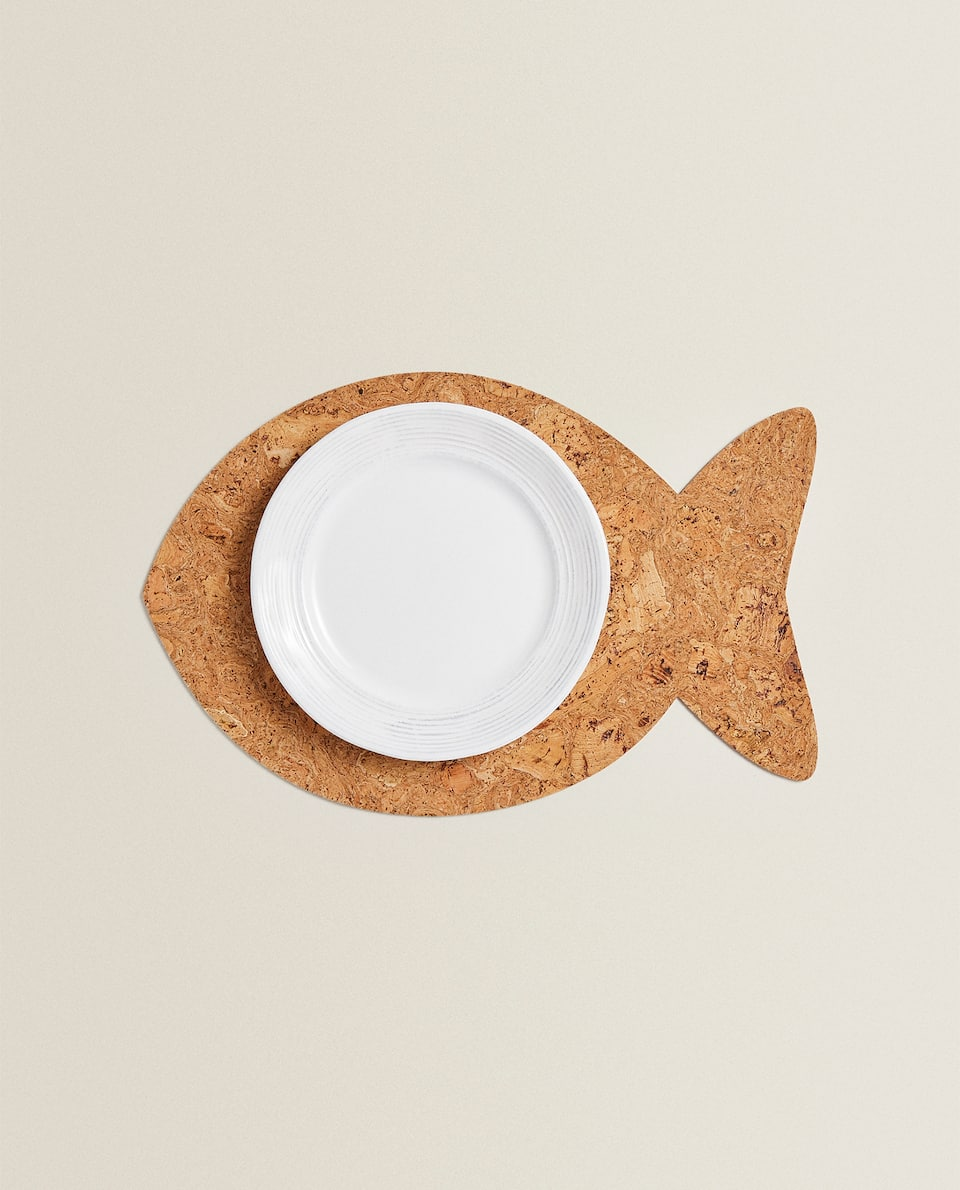 FISH-SHAPED CORK PLACEMAT