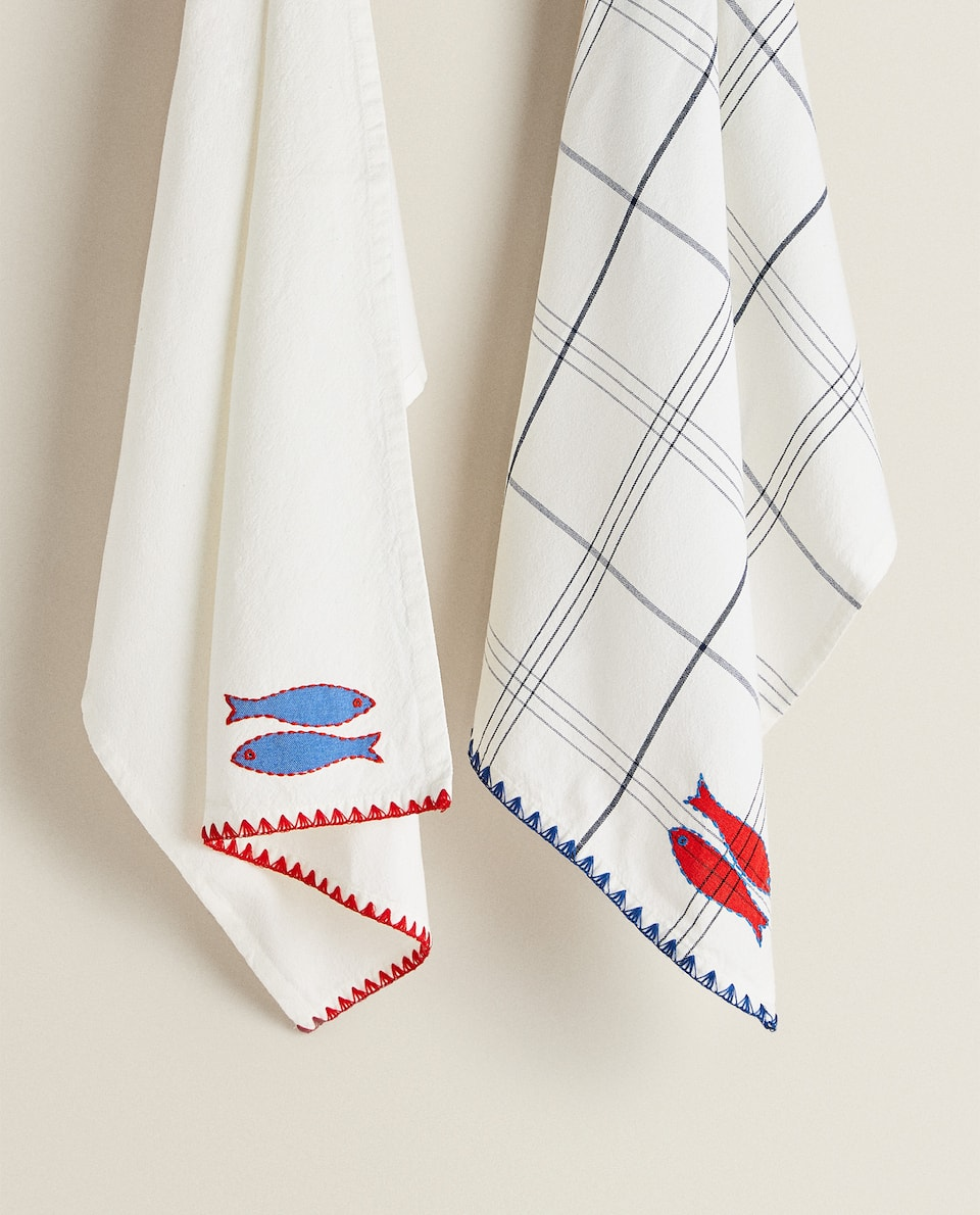 TEA TOWEL WITH EMBROIDERED FISH (PACK OF 2)