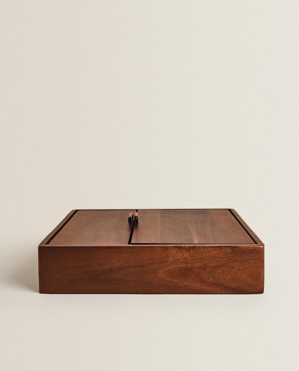علبة مجوهرات خشبية
