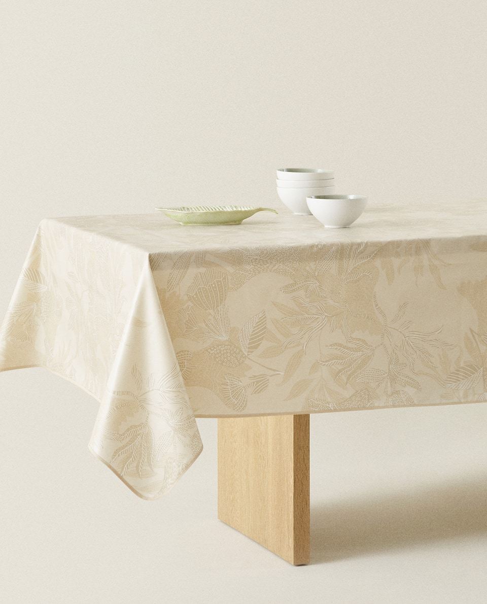 FLORAL PRINT LAMINATED TABLECLOTH