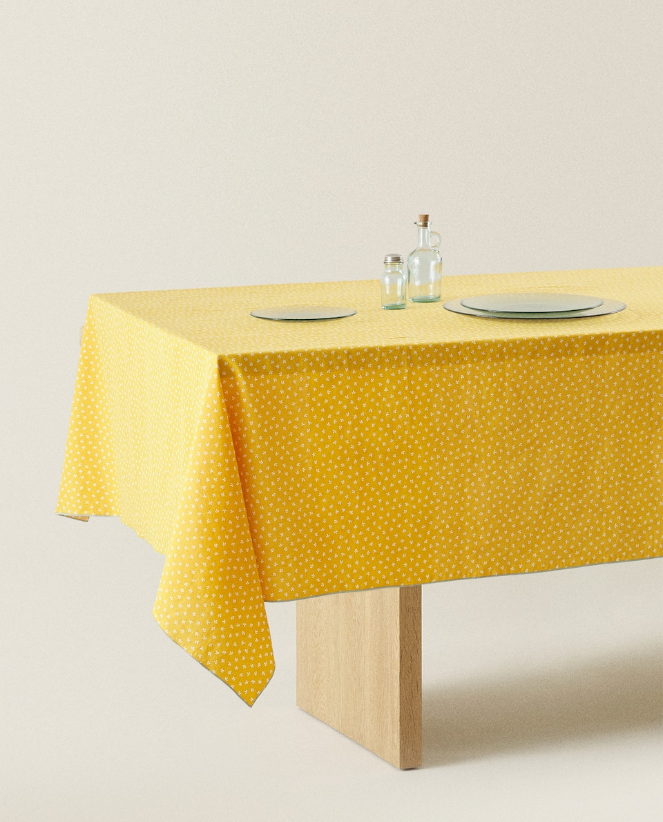 FADED TABLECLOTH WITH MINI FLORAL PRINT