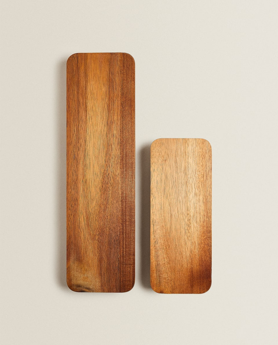 WOODEN CUTTING/SERVING BOARD