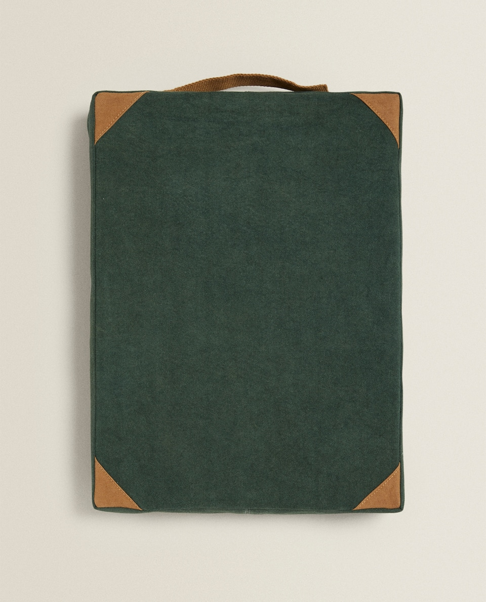 GREEN CANVAS CUSHION