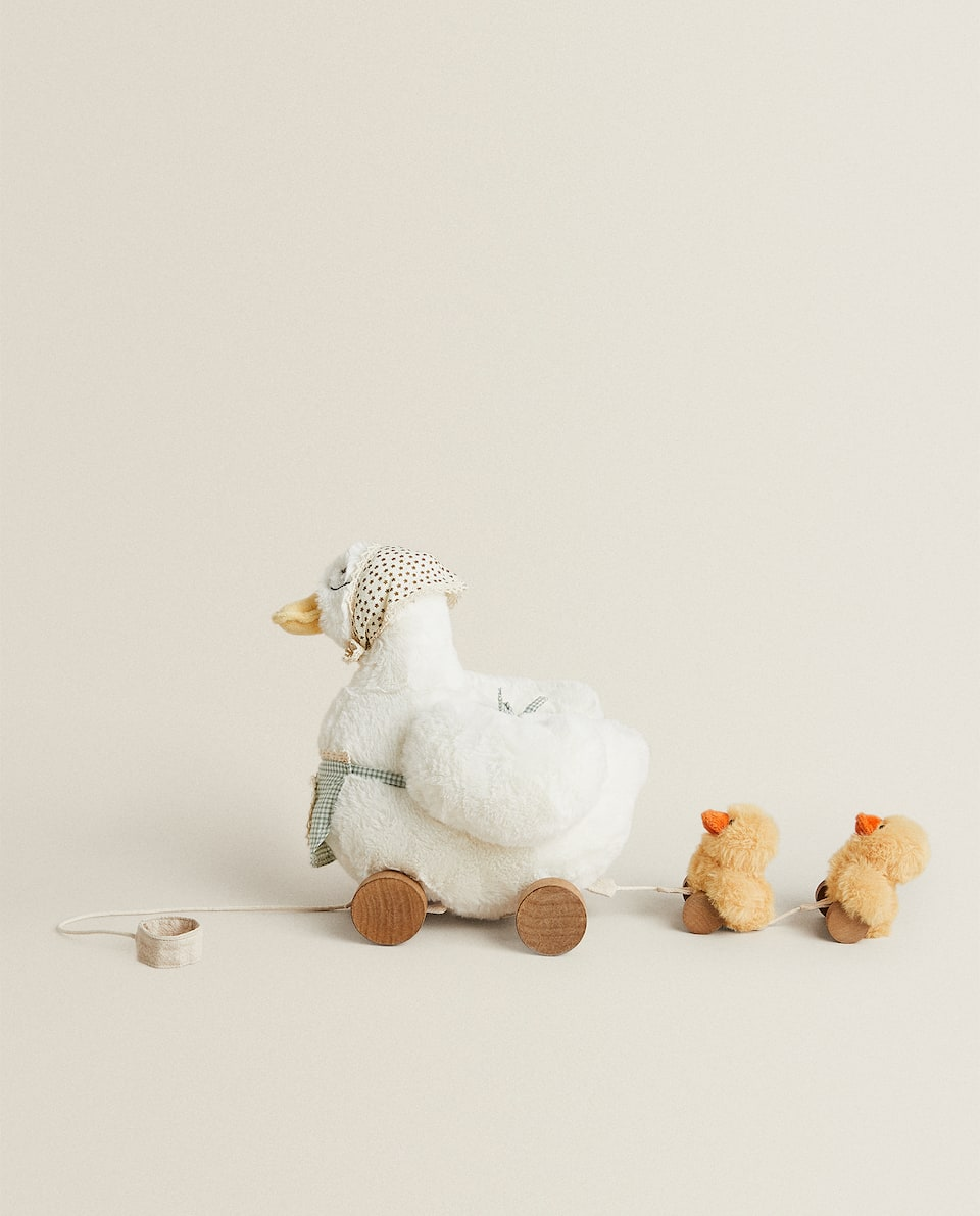 SOFT TOY DUCKS WITH WHEELS
