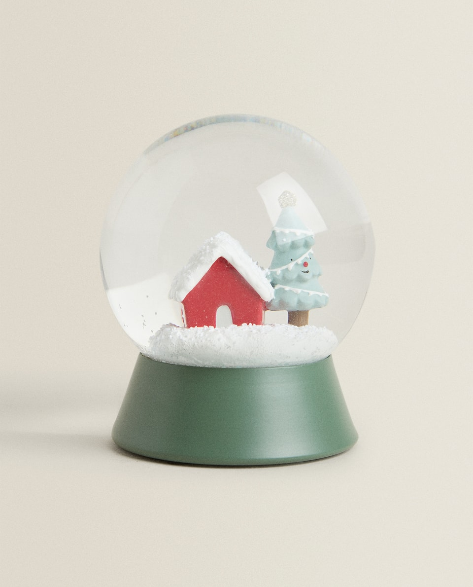 DECORATIVE CHRISTMAS SNOW GLOBE WITH SNOW