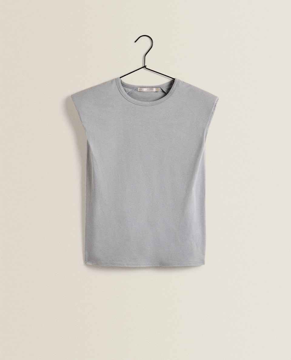 肩パッド入りTシャツ