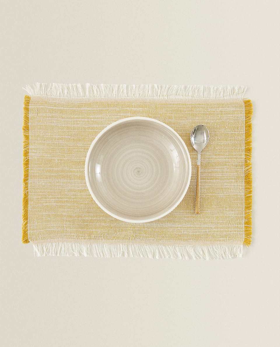 FRAYED COTTON PLACEMAT