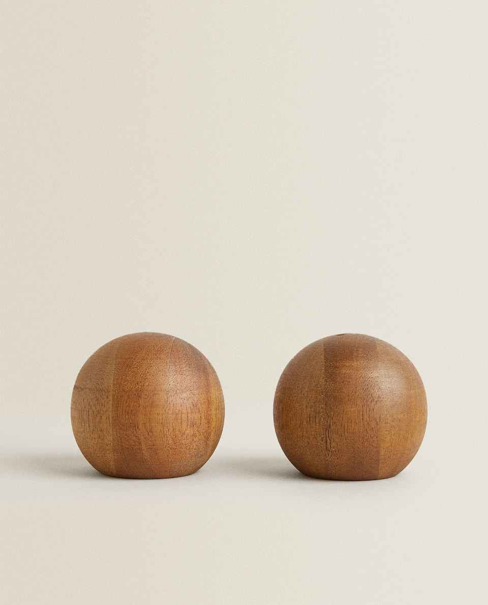 ACACIA WOOD SALT AND PEPPER SHAKER