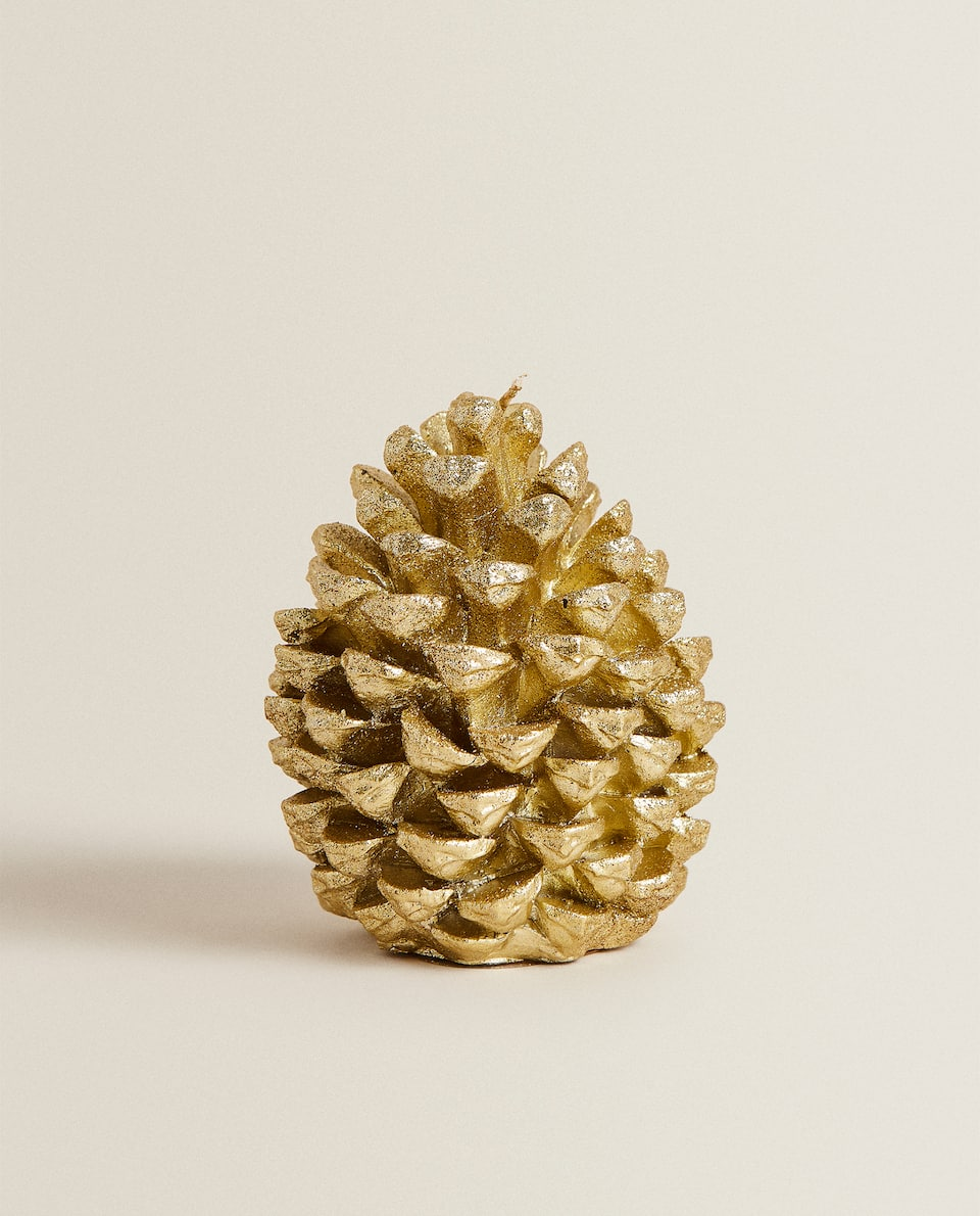 GOLDEN PINE CONE CANDLE