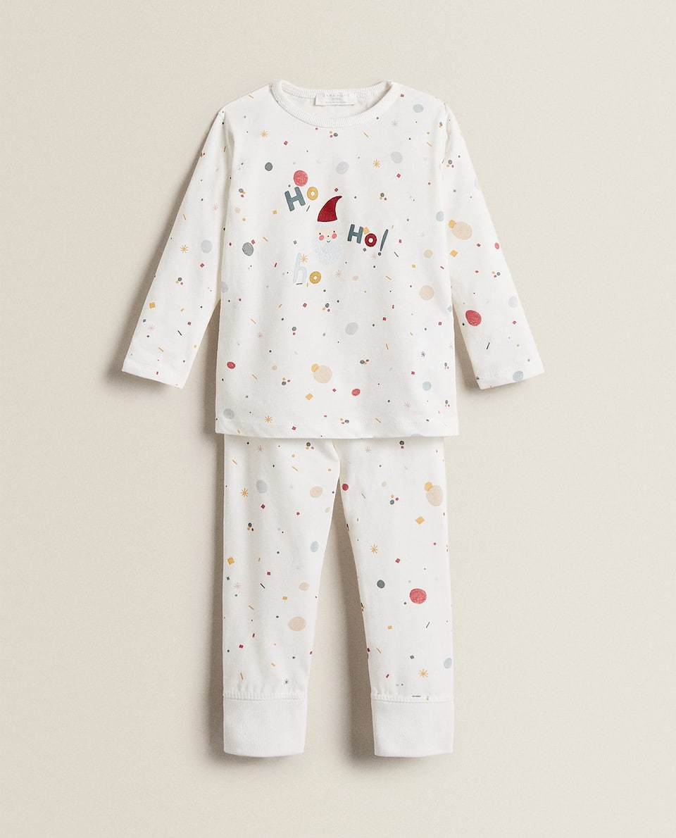 PYJAMAS WITH CHRISTMAS PRINT