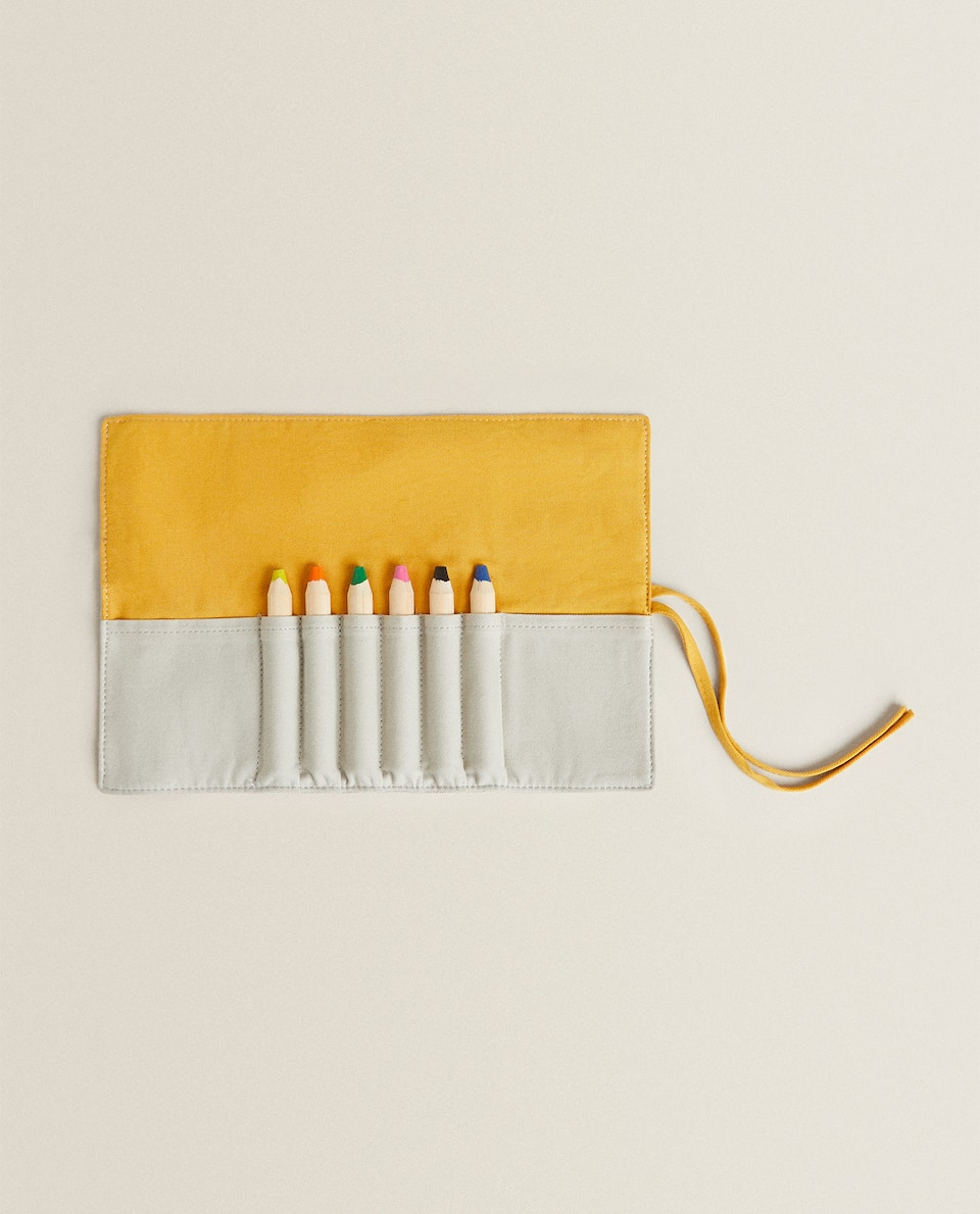 CASE WITH 6 PENCILS