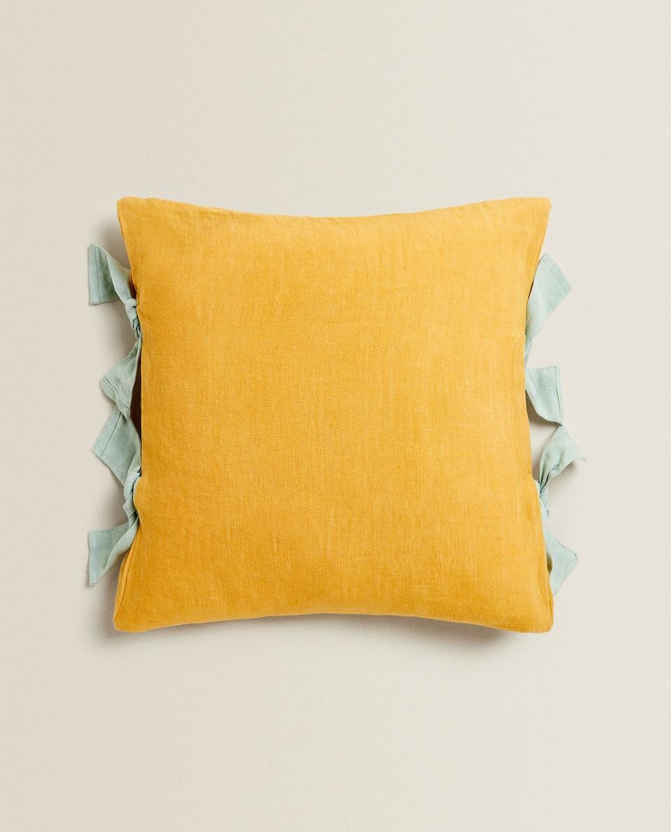 LINEN CUSHION COVER WITH BOWS