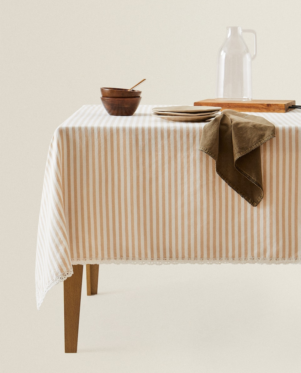 STRIPED TABLECLOTH WITH LACE TRIM