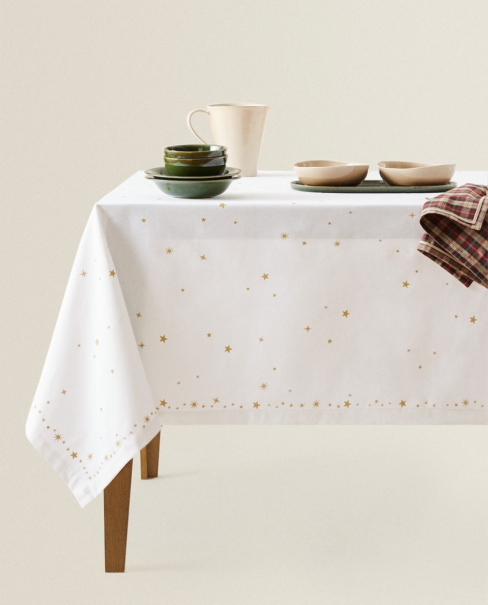 GOLD STAR PRINT TABLECLOTH