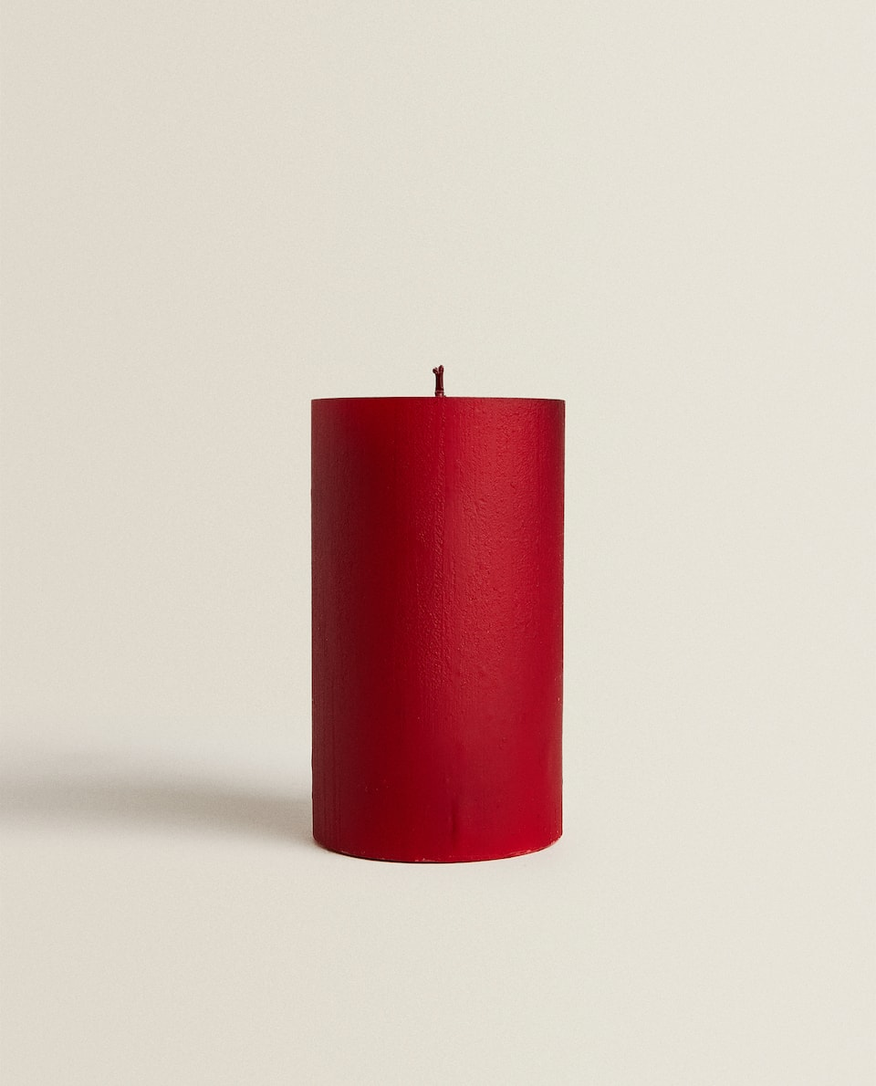 RED CYLINDRICAL CANDLE