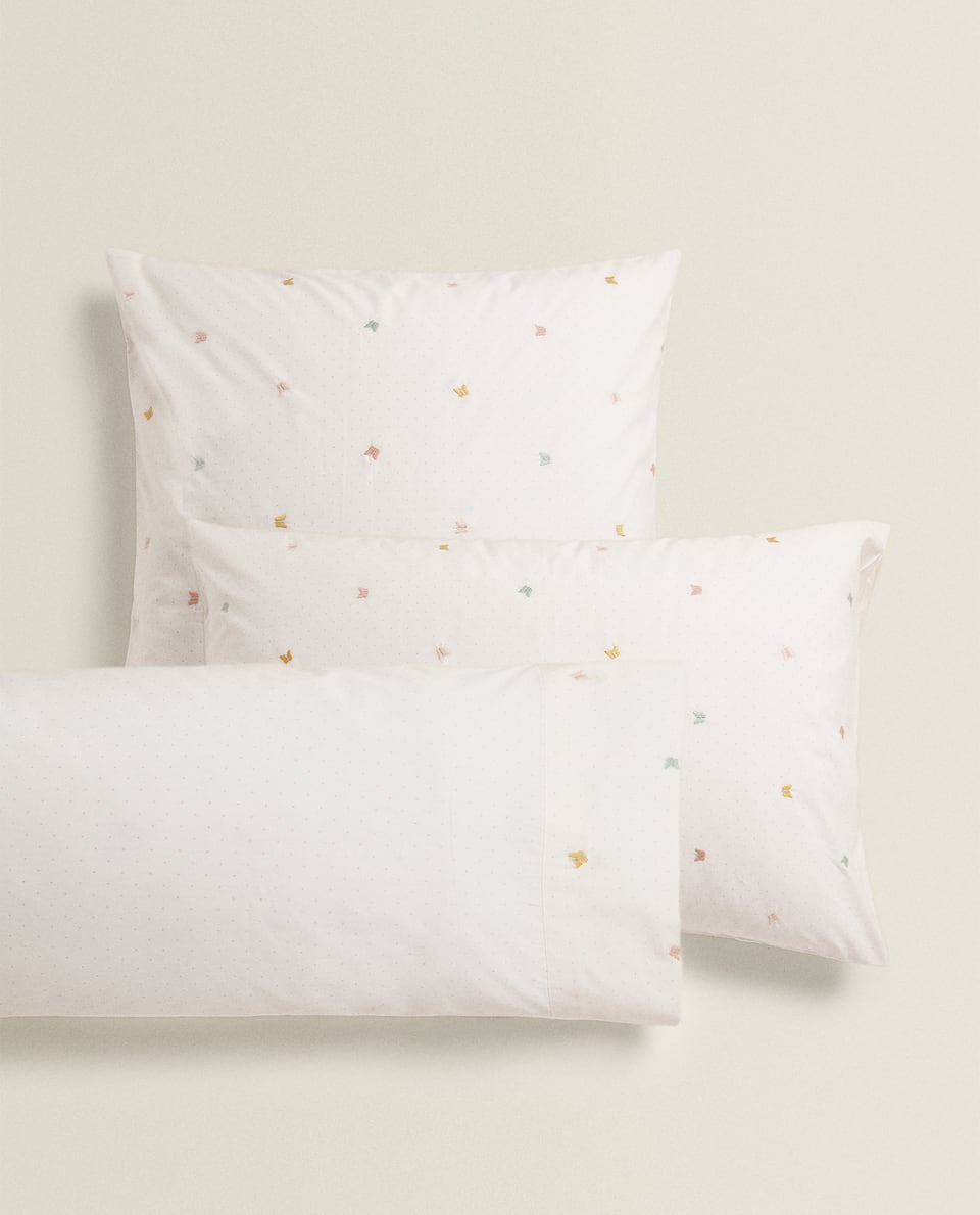 PILLOWCASE WITH BUTTERFLY EMBROIDERY