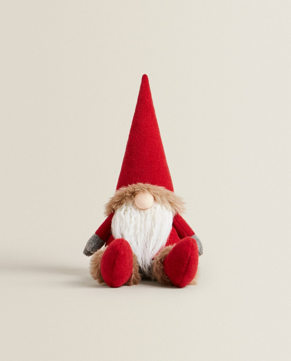 SEATED CHRISTMAS GNOME