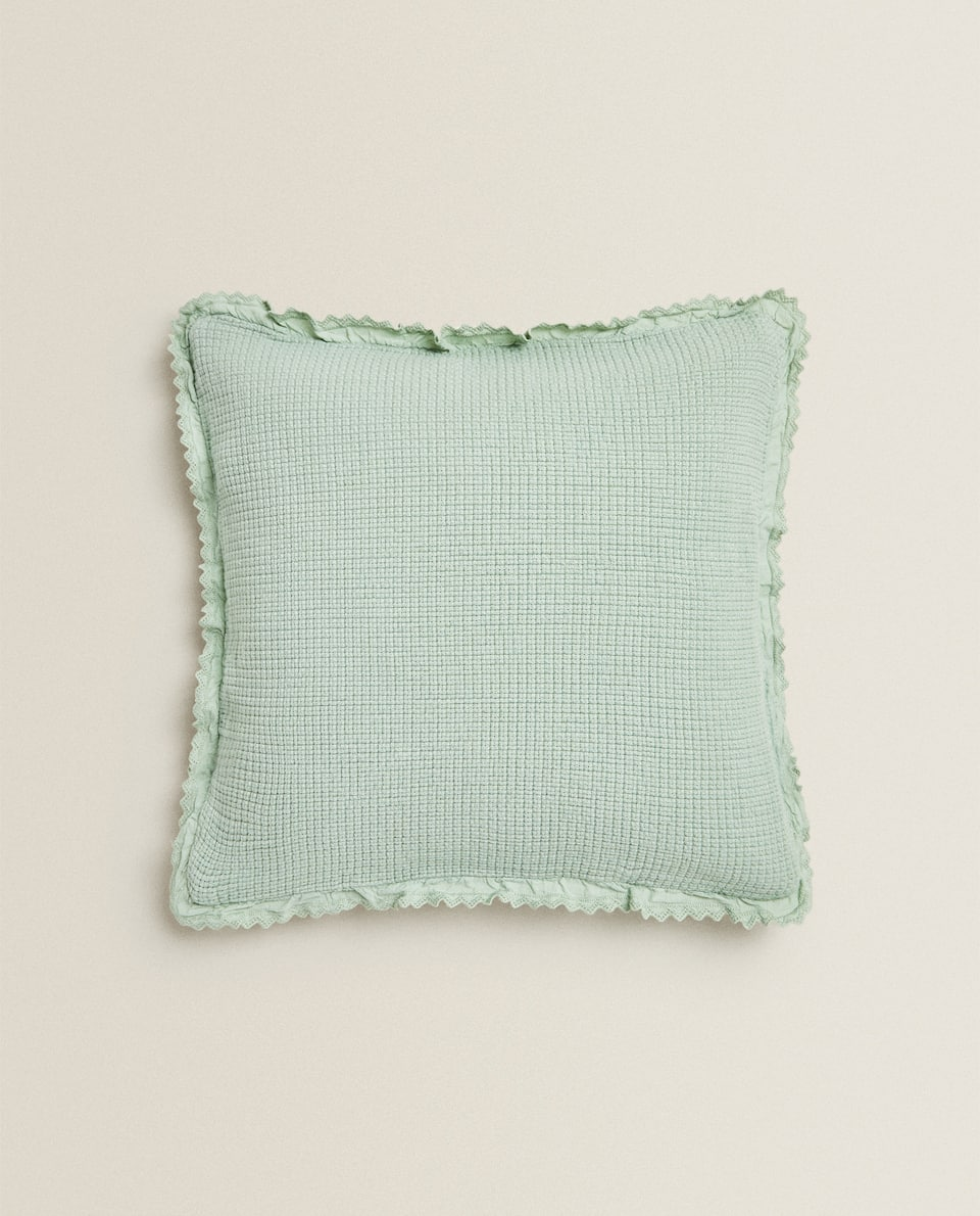 JACQUARD CUSHION COVER WITH LACE TRIM