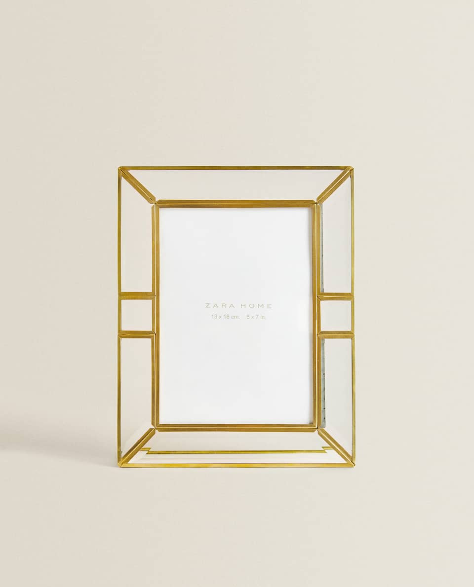 GOLD METAL AND GLASS FRAME