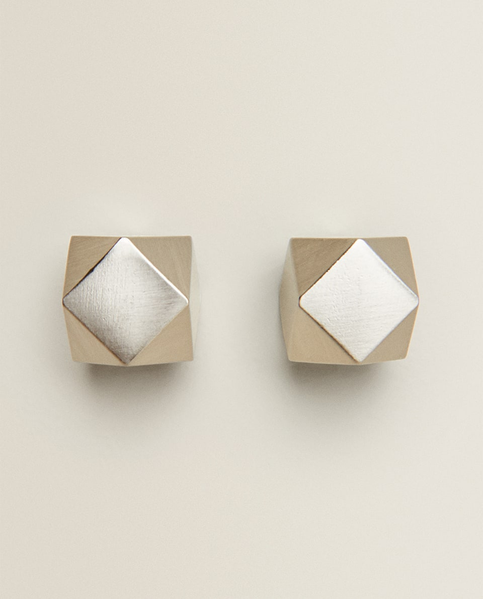 SILVER METALLIC CUBE DOOR KNOB (PACK OF 2)
