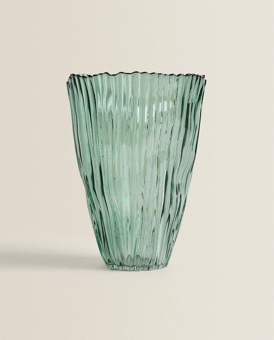 TEXTURED GLASS VASE