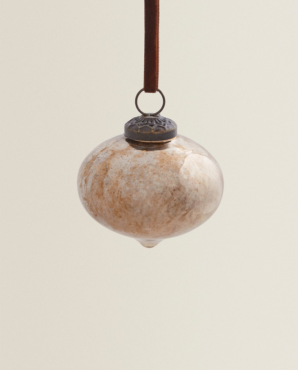 ANTIQUE-FINISH CHRISTMAS BAUBLE
