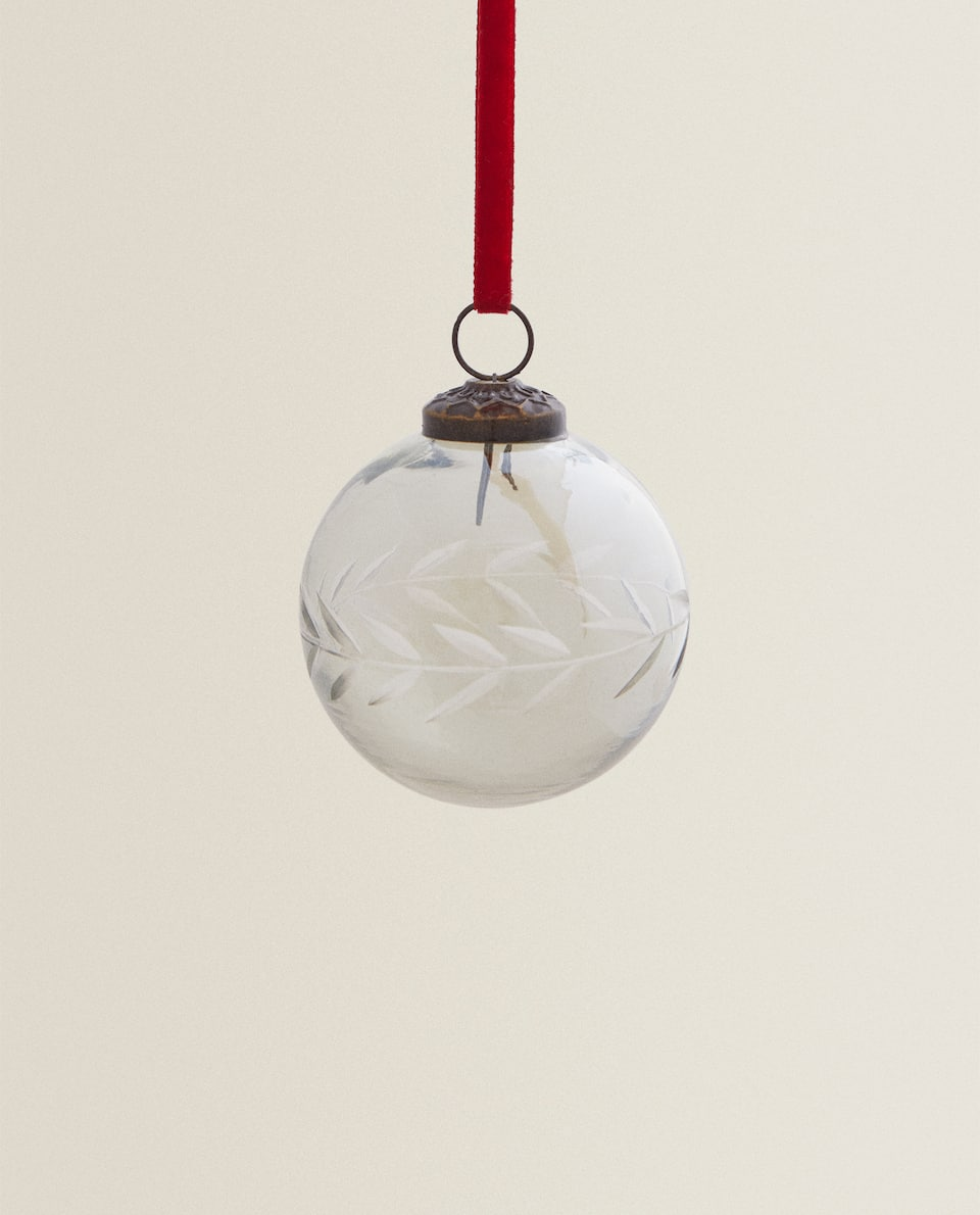 GLASS CHRISTMAS BAUBLE WITH LEAVES
