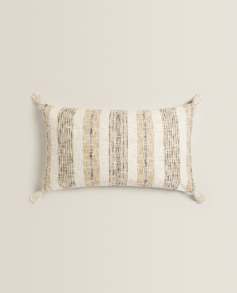 COTTON CUSHION COVER WITH TASSELS