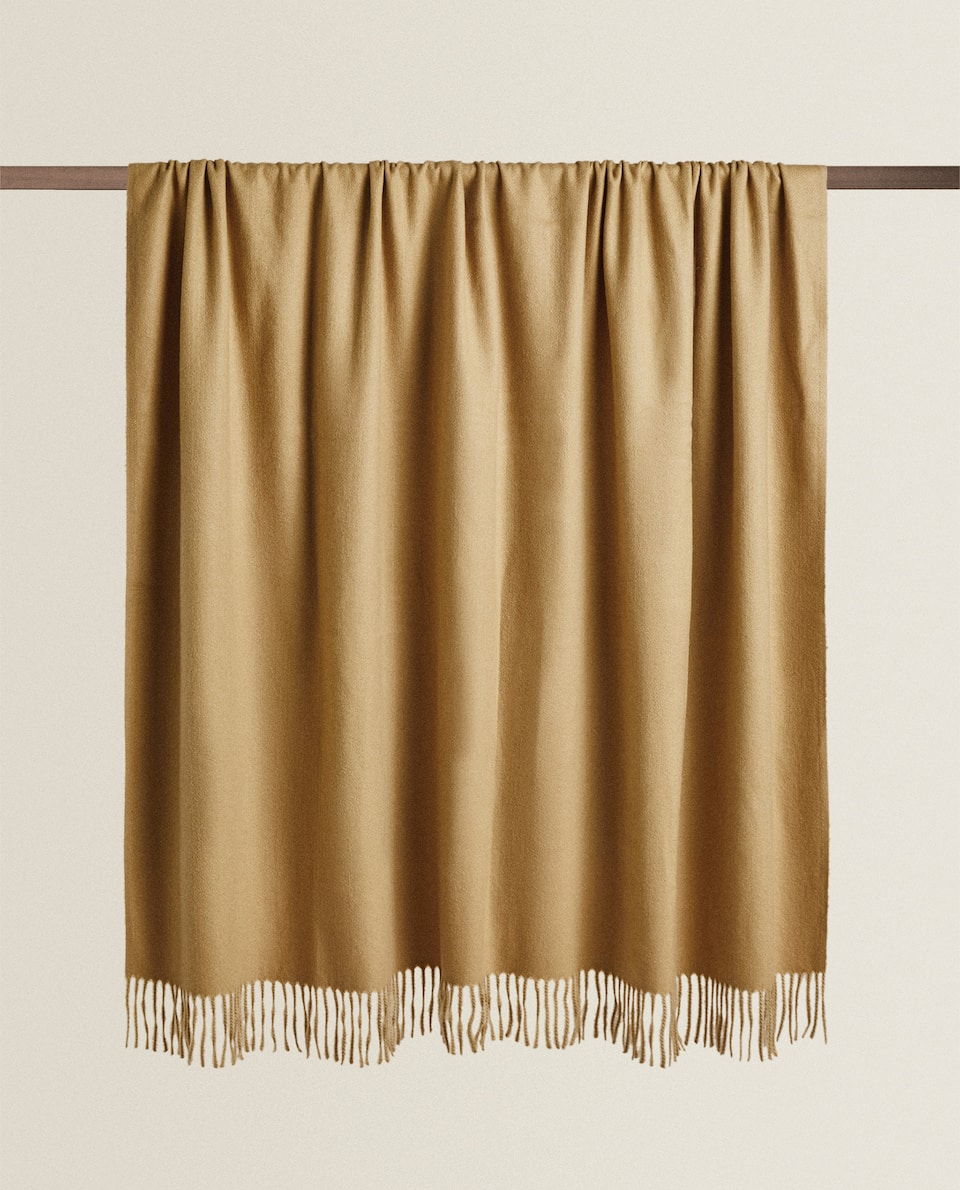 EXTRA SOFT TOUCH BLANKET WITH FRINGING