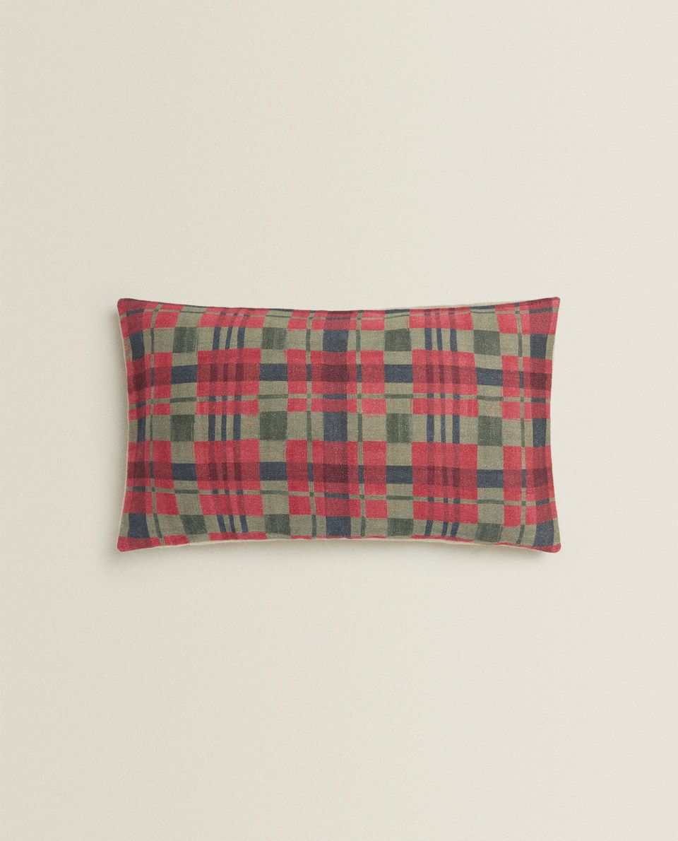 LINEN CUSHION COVER WITH CHRISTMAS TARTAN PRINT