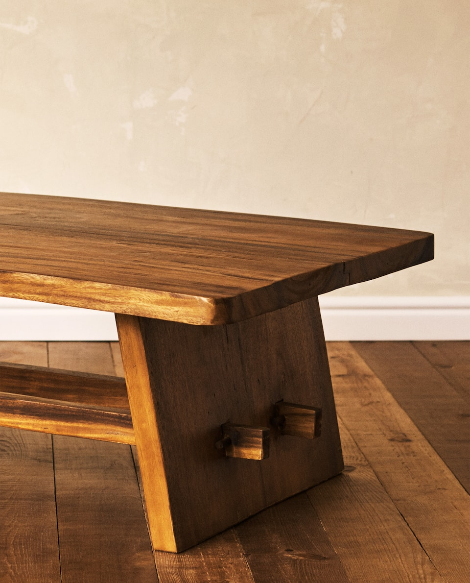 WOODEN CENTRE COFFEE TABLE