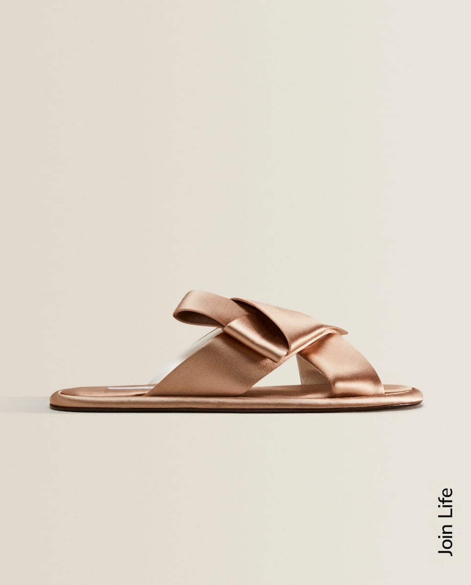 SATIN SLIPPERS WITH BOW