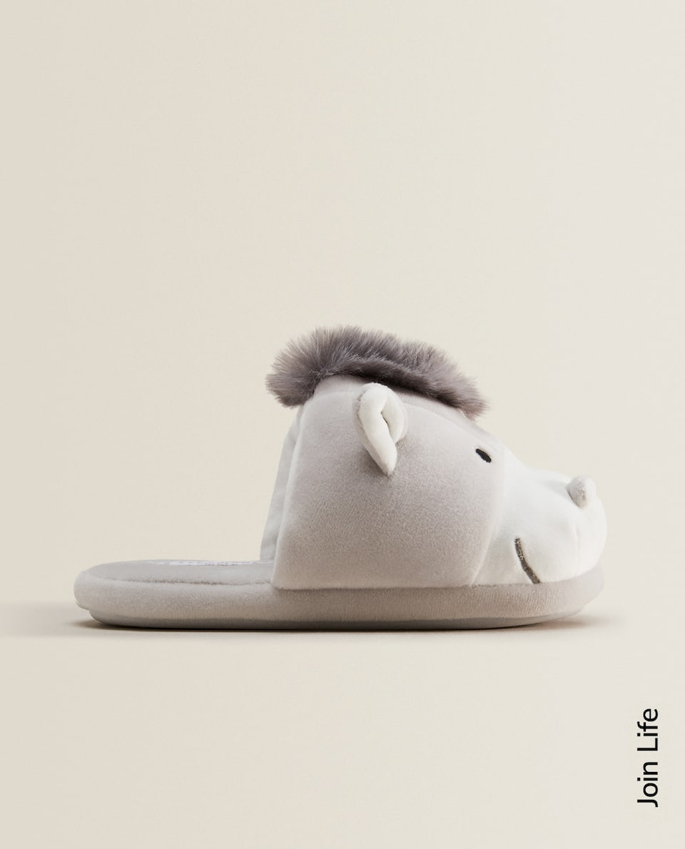 DONKEY SLIPPERS