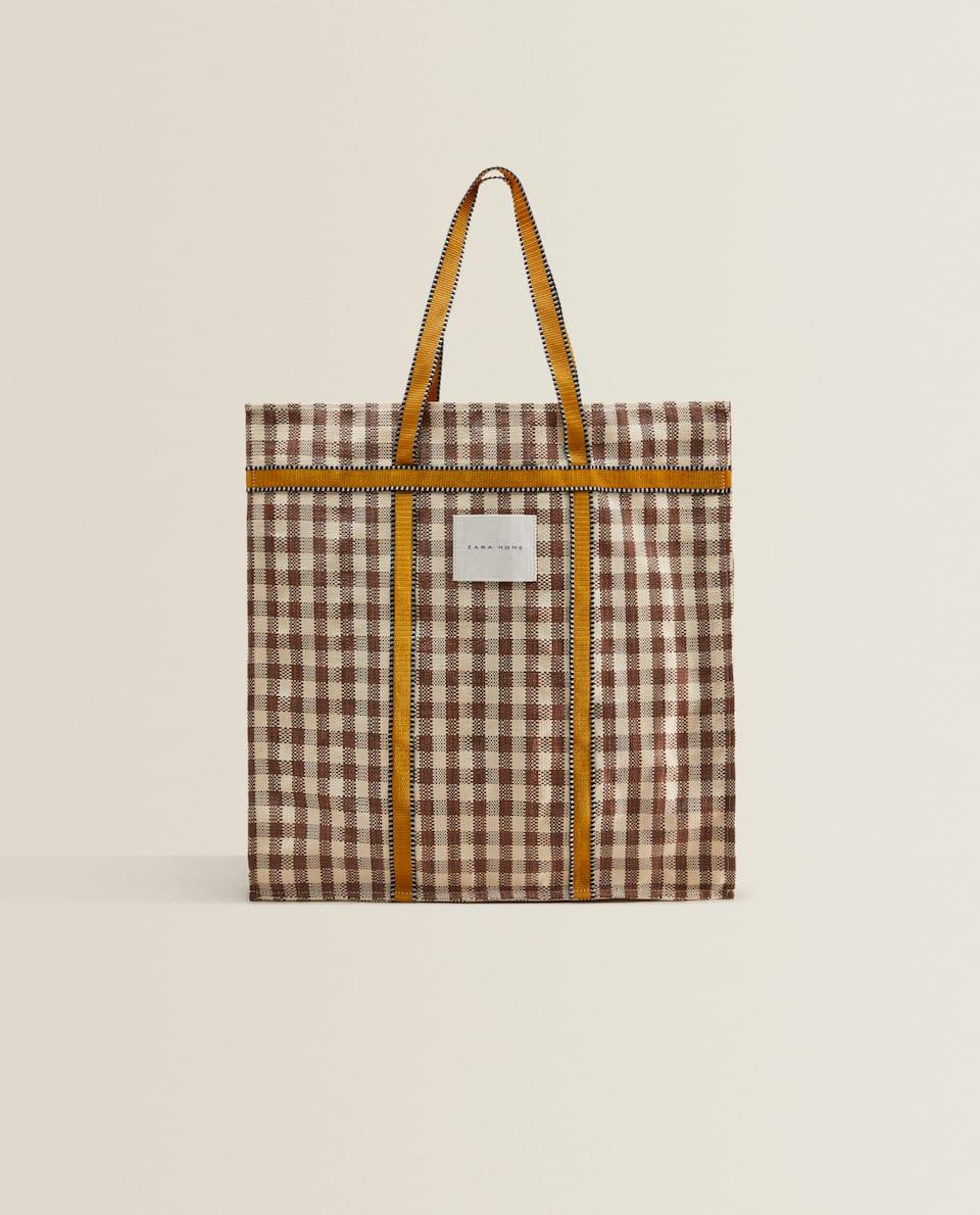 حقيبة توت بطبعة المربعات مع حزام