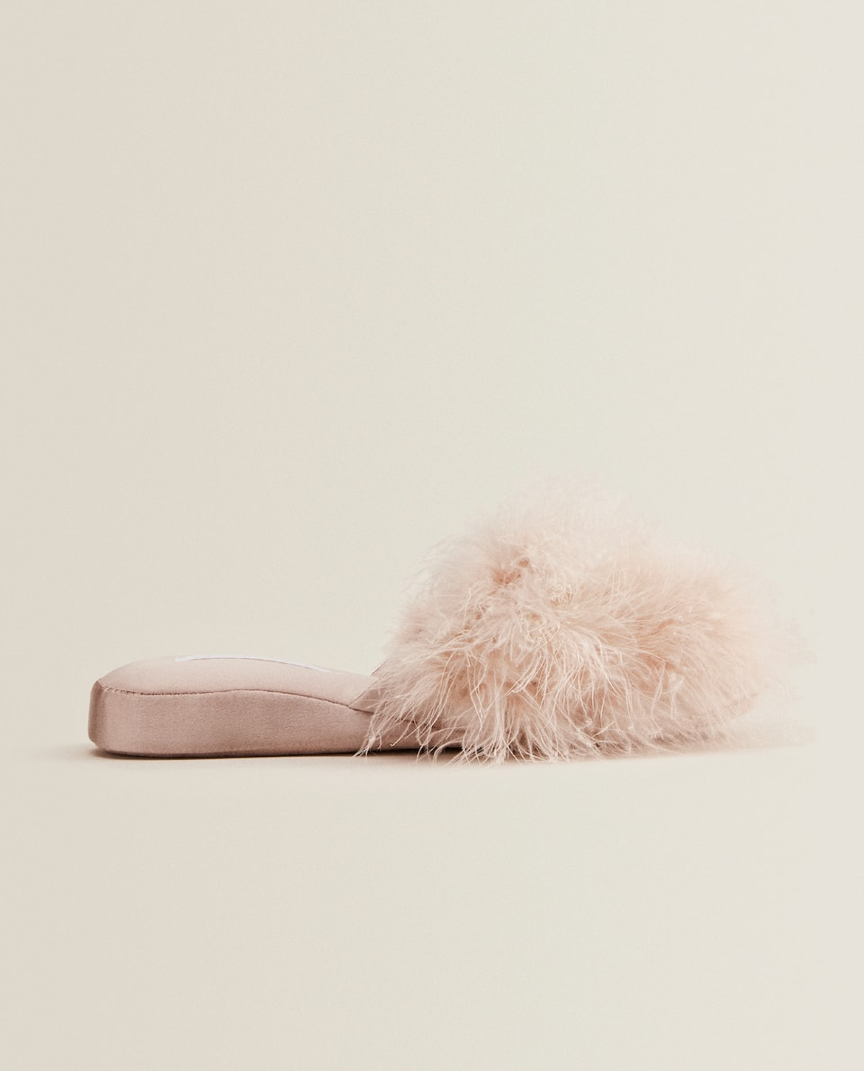 WEDGE SLIPPERS WITH FEATHERS