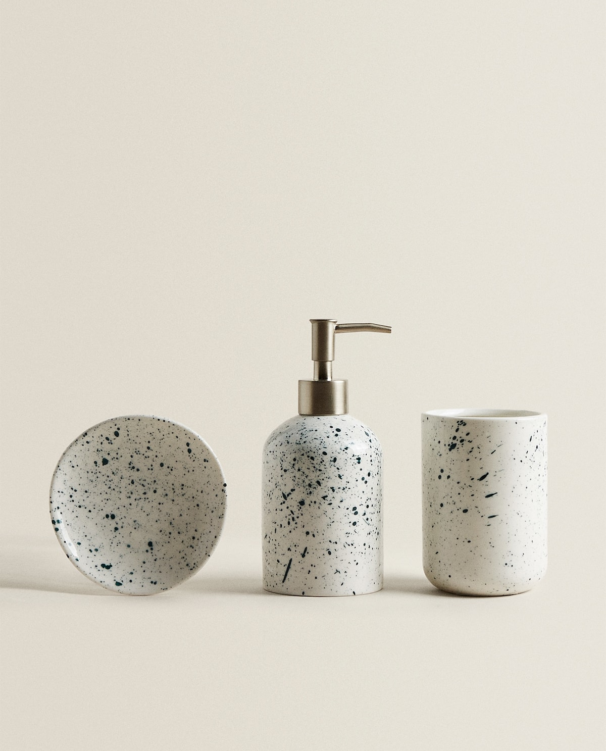 MOTTLED CERAMIC BATHROOM SET