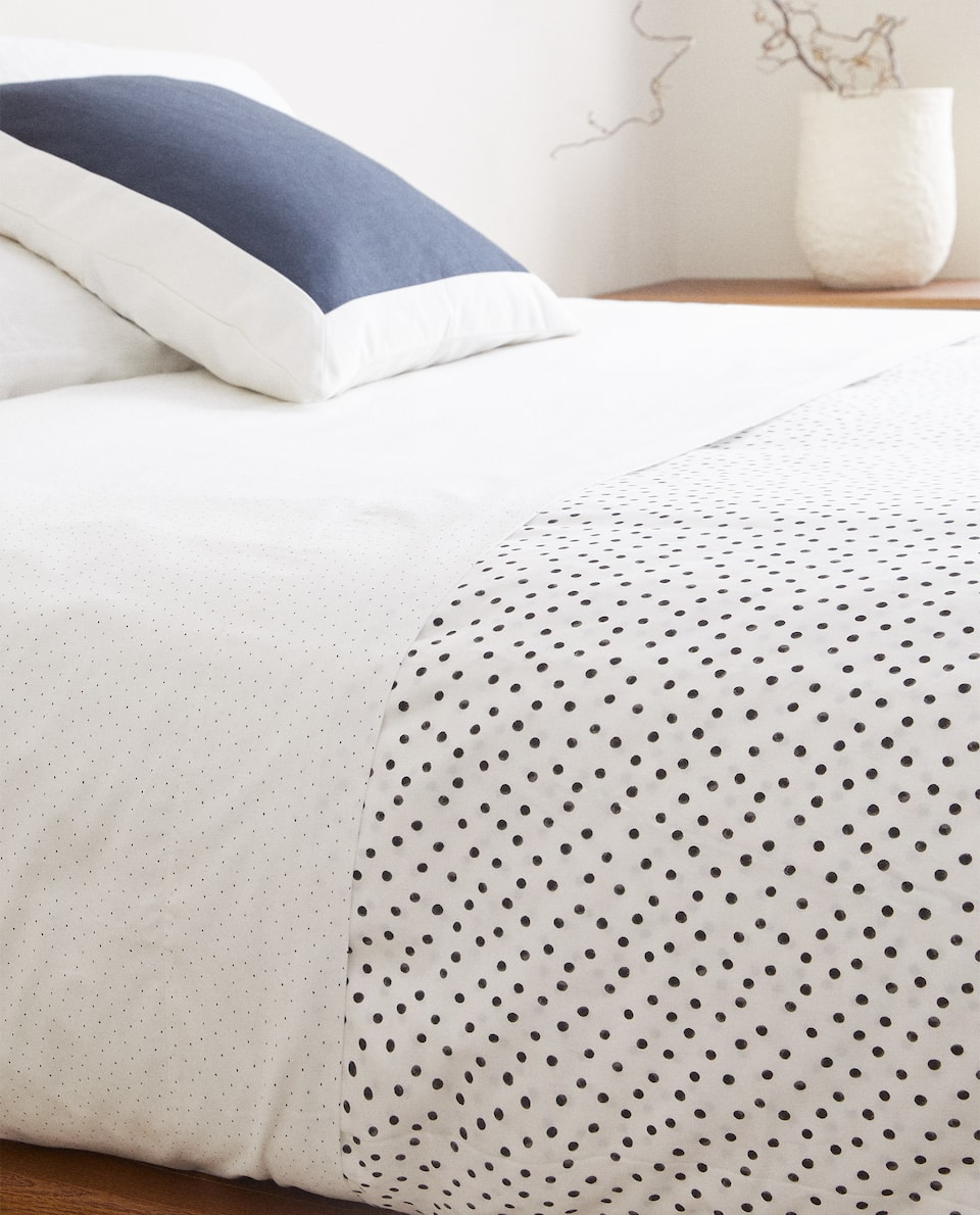 DOTTED DUVET COVER