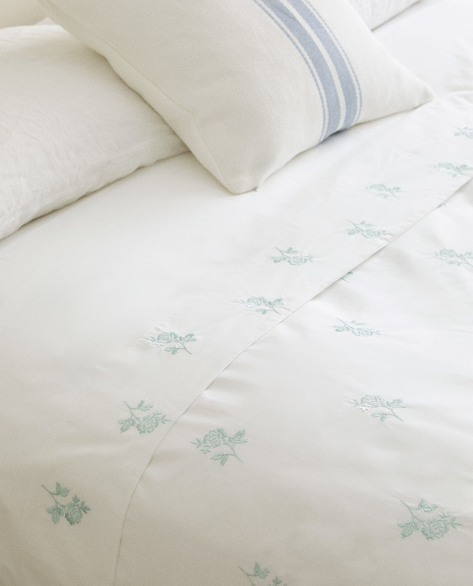 DUVET COVER WITH EMBROIDERED ROSES