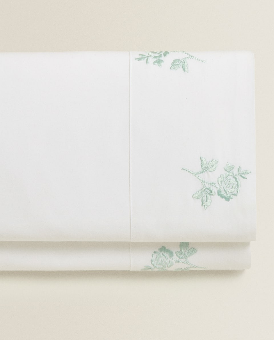 FLAT SHEET WITH EMBROIDERED ROSES