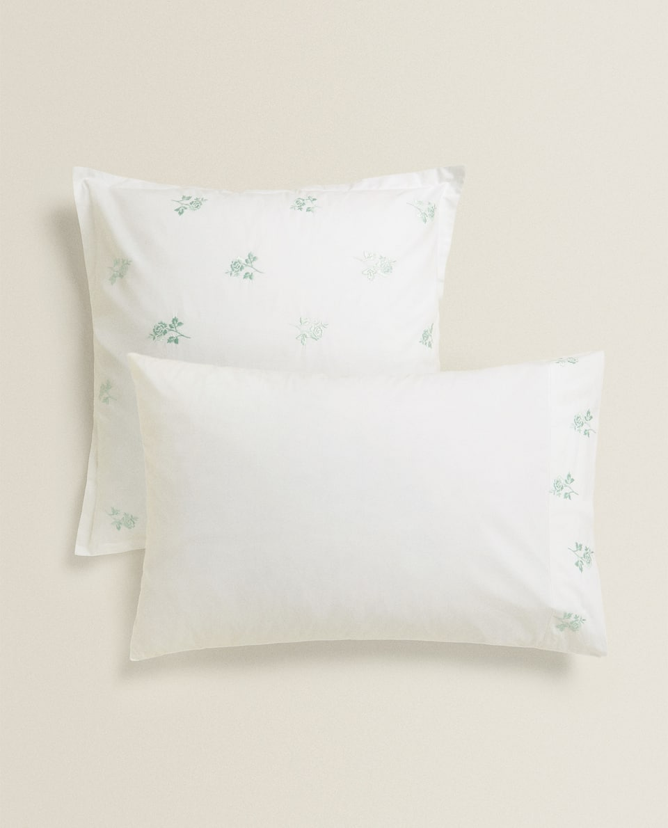 PILLOWCASE WITH EMBROIDERED ROSES